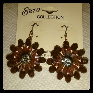 NWT Euro Collection Flower earrings